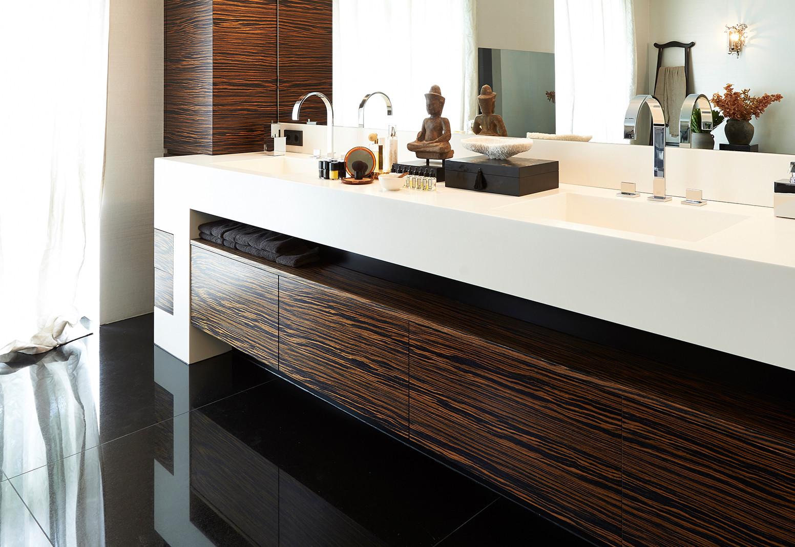 Hier sehen Sie ein Bild von Stefanie Raum Badezimmer Waschtisch Raum Contemporary Interior